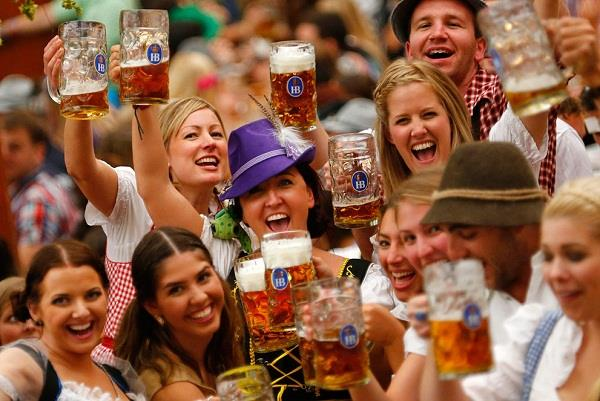 Lễ hội bia sôi động ở Đức