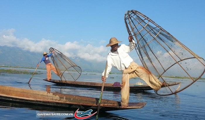 Cách đánh cá có một không hai ở Myanmar