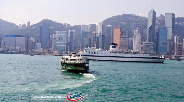 Đi phà Star Ferry