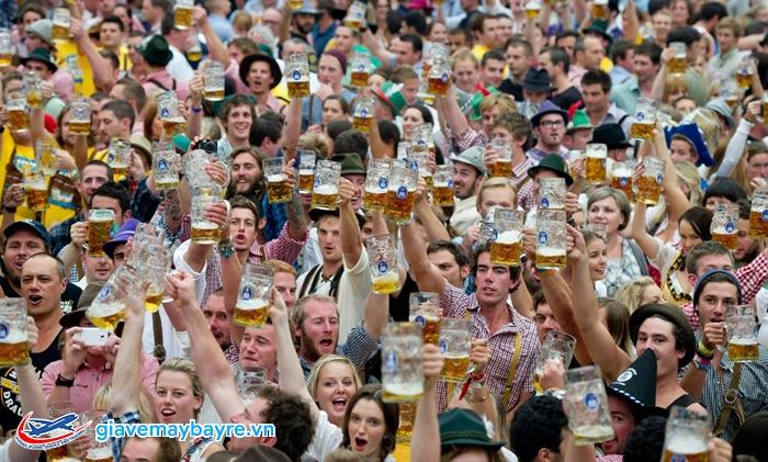 Lễ hội bia lớn nhất thế giới Oktorberfest