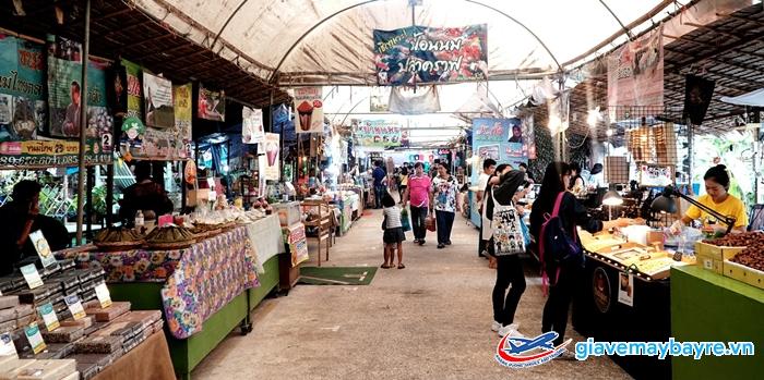 1 góc chợ nổi Bang Nampueng