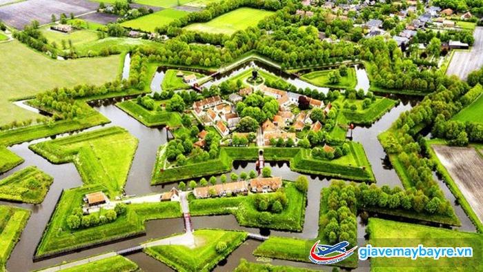 Toàn Cảnh Ngôi làng cổ tích Giethoorn