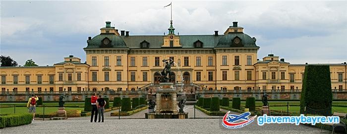 Cung điện Hoàng gia - nơi ở của Hoàng tộc Thụy Điển