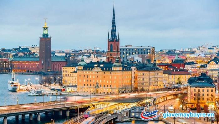 Stockholm thành phố trên biển với rất nhiều cây cầu
