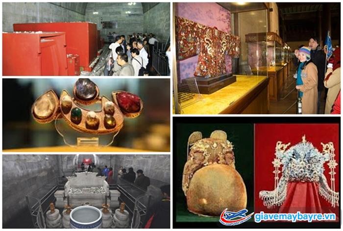 Nhiều cổ vật ở đây đã được tìm thấy và trưng bày ở bảo tàng gần đó