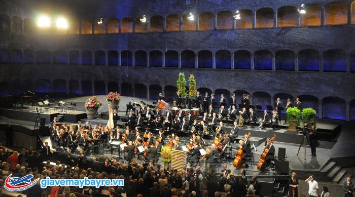Thủ đô của âm nhạc nên không thể thiếu các chương trình hòa nhạc. Trong phải kể đến Salzburger Festspiele