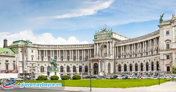 Đa số các địa điểm tham quan ở Vienna đều mở cửa miễn phí. Trong đó có Cung điện hoàng gia Hofburg