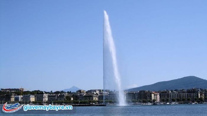 Đài phun nước Jet D'Eau Foutain cao 140m ở hồ Geneva