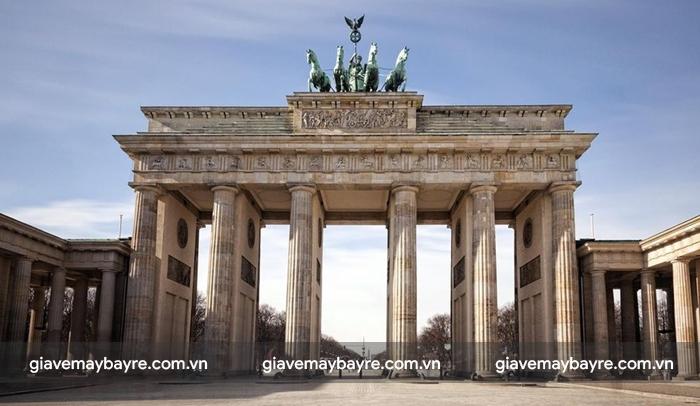 Brandenburg, biểu tượng của Berlin và nước Đức