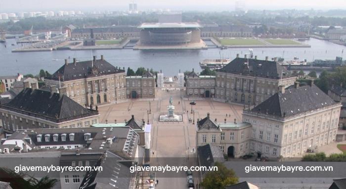 toàn cảnh cung điện Rosenborg